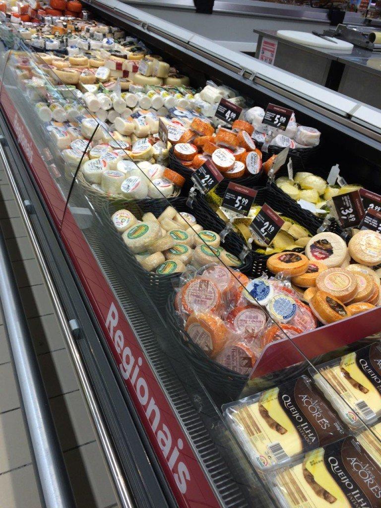 Dette er bare første del av disken med regionale protugisiske oster.